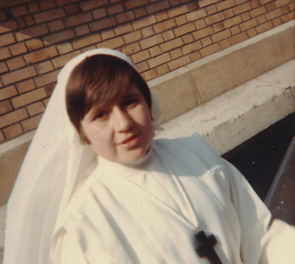 Pascale Gatineau -1967-Paris-communion